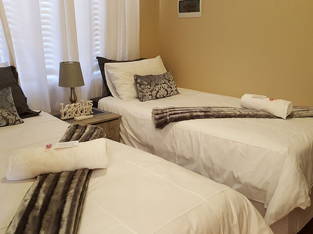 Upington Accommodation | Luxury Unit | The Cape Lodge
